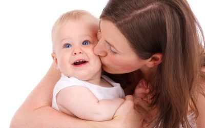 De la ce vârstă înțelege bebelușul ce îi spunem?